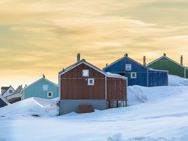 Greenland Winter photography tour, icebergs, glaciers and Inuit Settlements