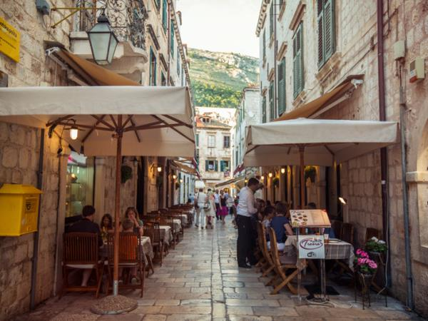 how to go from dubrovnik to athens