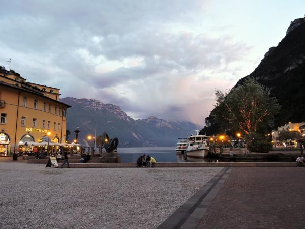 Cycling holiday in Lake Garda & Como, Italy