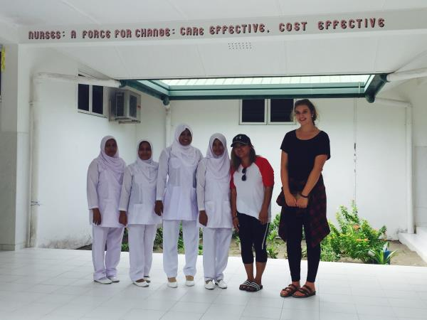 Teaching assistant volunteering in Maldives