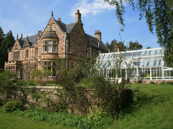 Family holiday in Scotland, nature & activity
