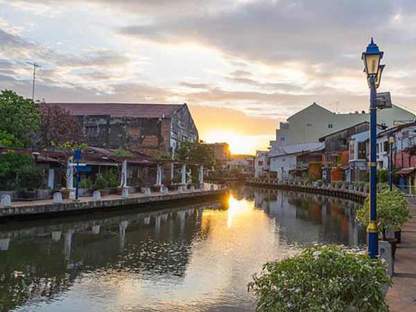Borneo and Malaysia small group holiday