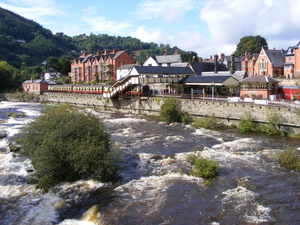 Wales self guided walking holiday options